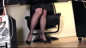 The sinful secretary in afro american nylons